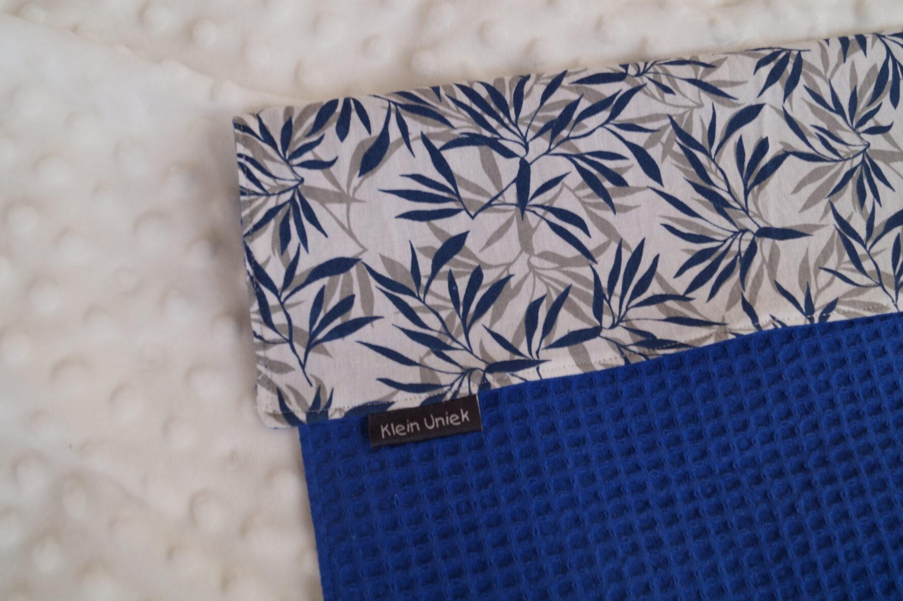 mini couveuse doek blauw met blaadjes